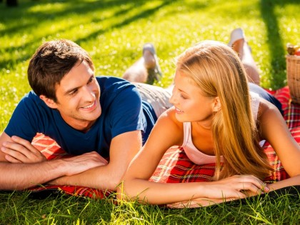 Le dating (rendez-vous amoureux) original