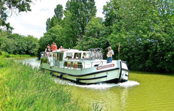 Louer un bateau sans permis pendant les vacances