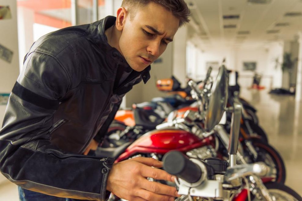 Acheter une première moto : comment choisir ?