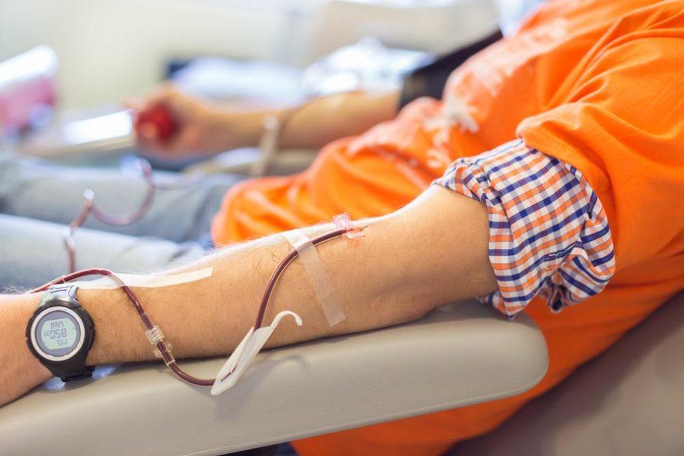 Bloed geven na een buitenlandse reis