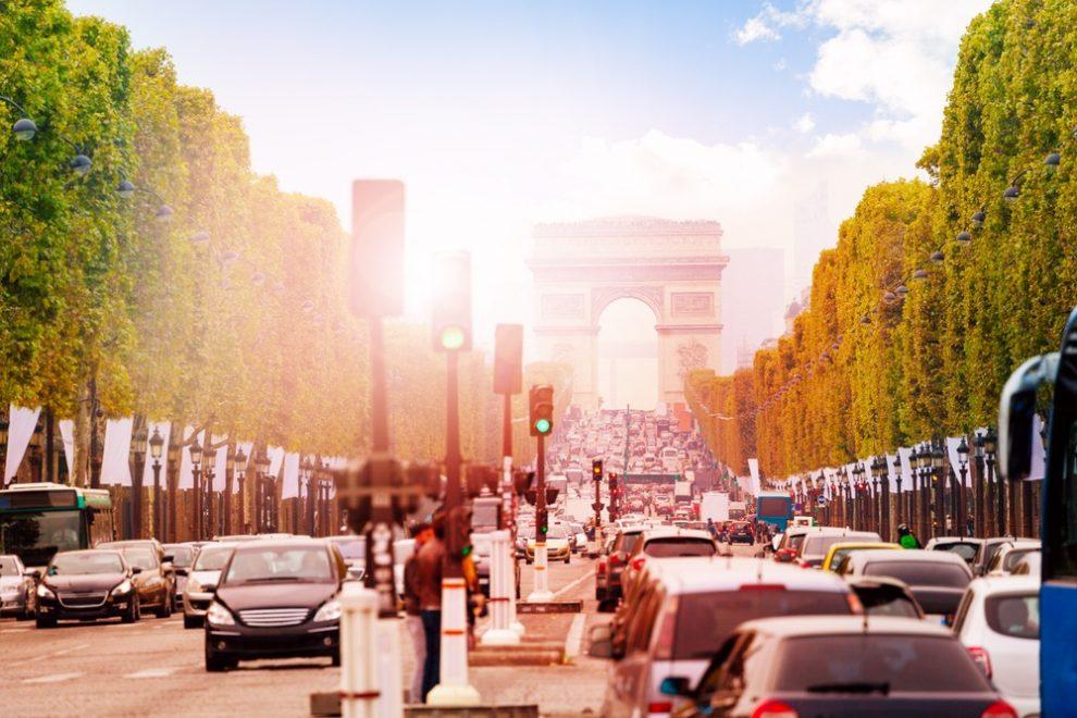 """Paris : vignette écologique """"Crit'Air"""" obligatoire"""