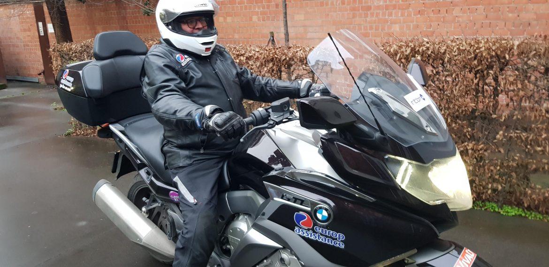 Le motard Info Trafic d'Europ Assistance
