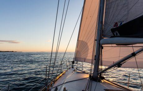 Een wereldreis op een zeilboot voorbereiden