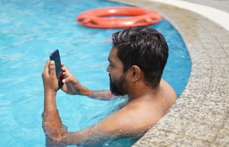 Téléphone tombé à l'eau: que faire?