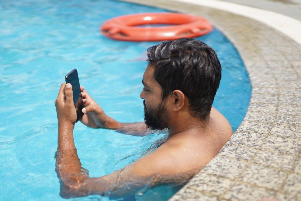 Mijn telefoon is in het water gevallen: wat nu?