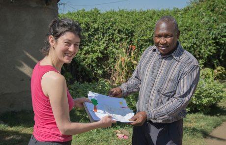 Julie, piquée par des moustiques au Kenya