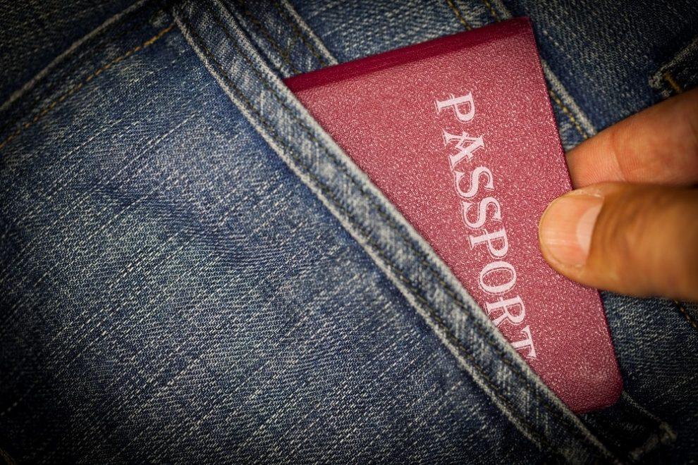 Verlies van identiteitskaart of paspoort in het buitenland