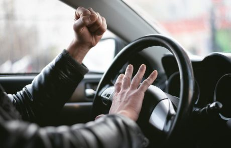 Comment faire face à l'agressivité au volant?